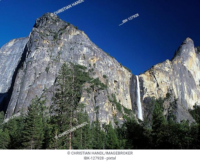 Bridalveil waterfall im Yosemite Valley, Yosemite NP, California, USA