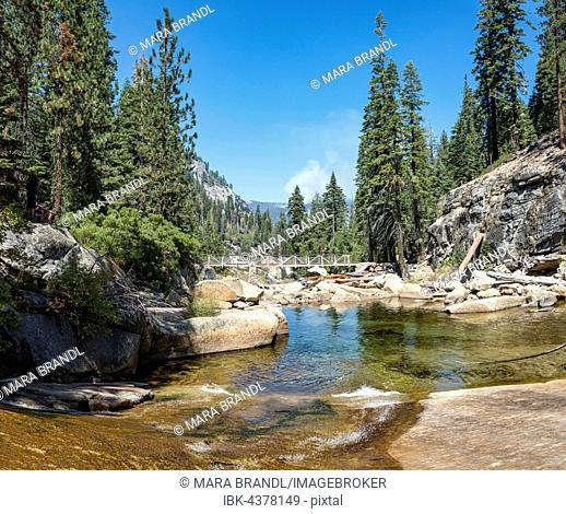 Bridge over river, Illilouette Creek Trail to Glacier Point, Sierra Nevada, Yosemite National Park, California, USA