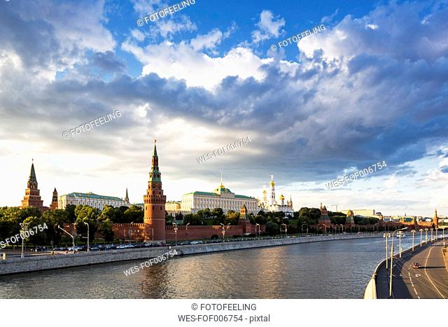 Russia, Moscow, River Moskva, Kremlin wall with towers and cathedrals