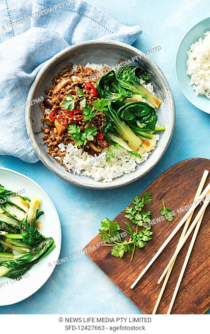 Speedy Shitake and pork mince stir-fry