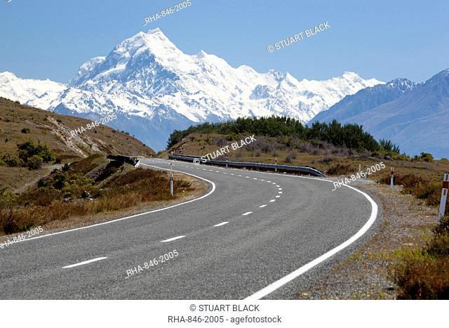 Mount Cook and Mount Cook Road with rental car, Mount Cook National Park, UNESCO World Heritage Site, Canterbury region, South Island, New Zealand, Pacific