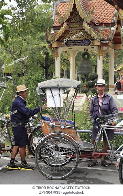 Thailand; Chiang Mai, cycle rickshaws, drivers, people,