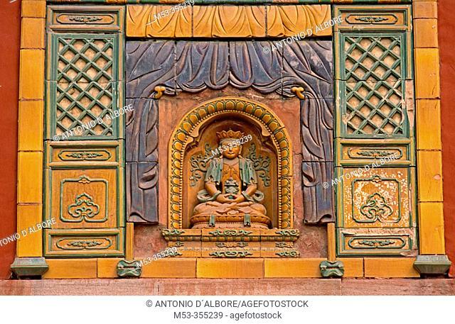 Putuozongshengzhi Miao (Temple of the Potaraka octrine). Chengde. Hebei province. China