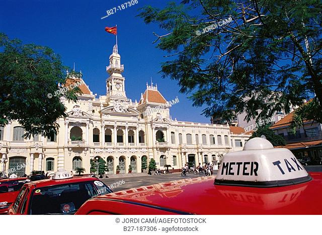Taxis near the Old Town Hall. Ho Chi Minh City. Vietnam