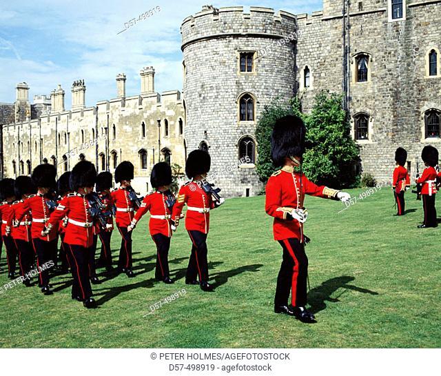 Guards. Windsor castle, Windsor, Berkshire, England, UK