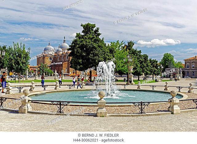 Europe, Italy, Veneto Veneto, Padua, Padova, Prato della Valle, town park, Isola Memmia, fountain, Abbazia Tu Santa Giustina, architecture, trees, plants