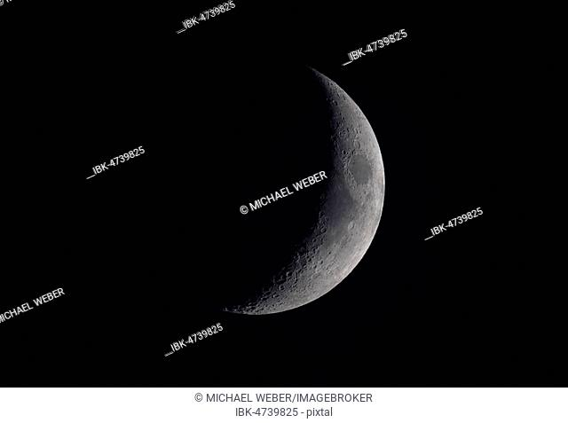 Increasing moon, crescent moon, seen from the European hemisphere, Germany