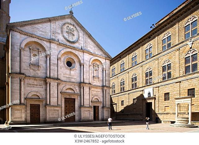 Cathedral and Piccolomini Palace (right), Pio II square, Pienza, Tuscany, Italy, Europe