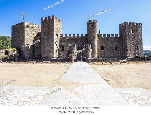 Castillo de San Vicente en Montemayor del Río. Sierra de Béjar. Salamanca. Castilla León. España