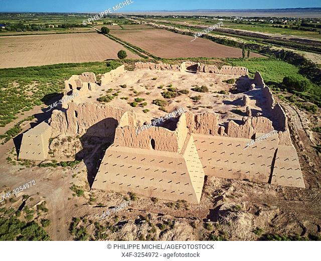 Ouzbekistan, region de Karakalpakstan, les citadelles du desert, Kyzyl Qala / Uzbekistan, Karakalpakstan province, desert citadel, Kyzyl Kala