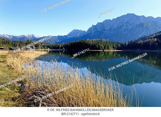 Lake Lautersee near Mittenwald, with Karwendelgebirge mountain range, Werdenfelser Land region, Upper Bavaria, Germany, Europe