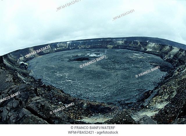 Caldera of Kilauea Volcano, Kona, Big Island, Hawaii, USA