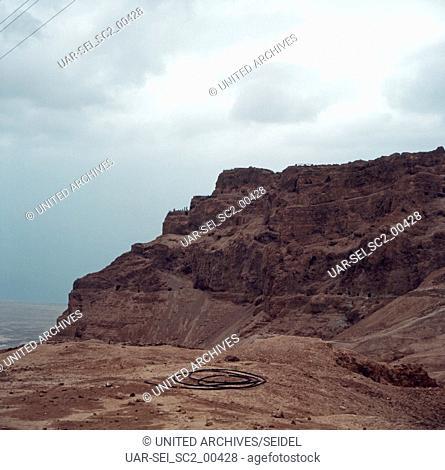 Der Tafelberg Massada in Israel 1970er Jahre. The rock plateau Massada in Israel 1970s