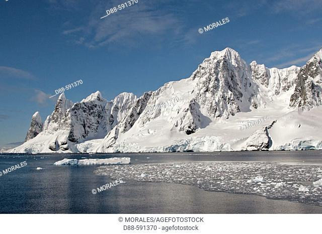Lemaire Channel. Antartic Peninsula
