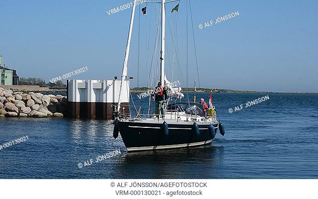 Incoming sailboat