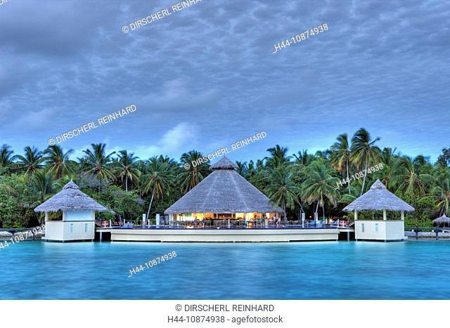 Sonnenuntergang auf der Malediveninsel Ellaidhoo, Nord Ari Atoll, Malediven, Sunset on Maldive Island Ellaidhoo, North Ari Atoll, Maldives