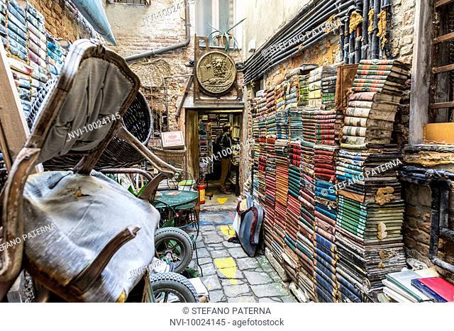 Libreria Acqua Alta, bookshop in Venice, Italy