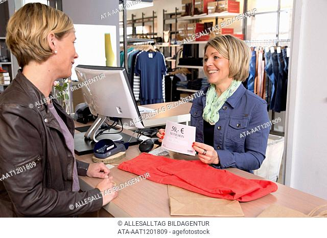 Returning via gift coupon in a boutique