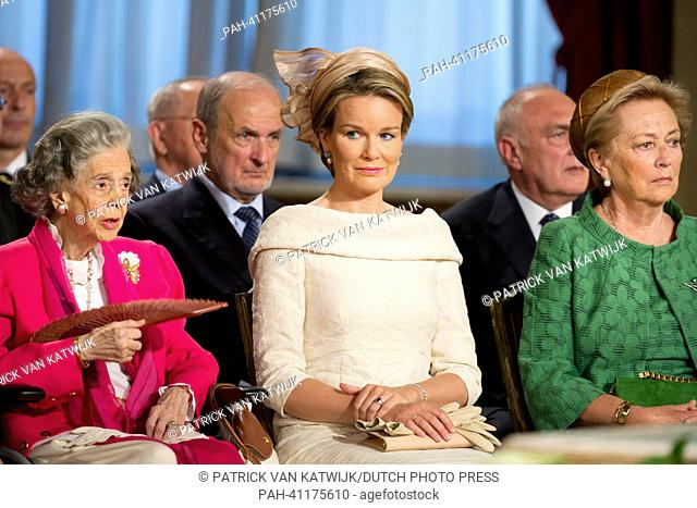 Queen Fabiola (L), Queen Paola and Princess Mathilde (C) of Belgium attend the abdication ceremony at the Royal Palace in Brussels, Belgium, 21 July 2013