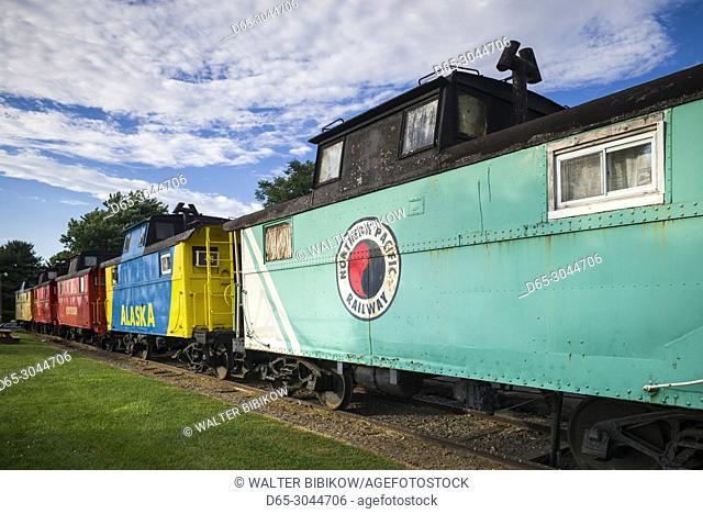 USA, Pennsylvania, Pennsylvania Dutch Country, Ronks, Red Caboose Motel, lodging in old train cabooses