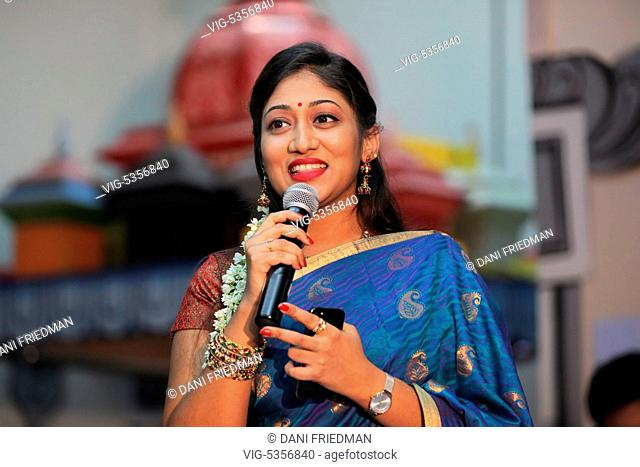 CANADA, BRAMPTON, 08.08.2015, South Indian playback singer SHARMILA performs at a South Indian Hindu temple for devotees during the 2015 Aadivel Festival in...