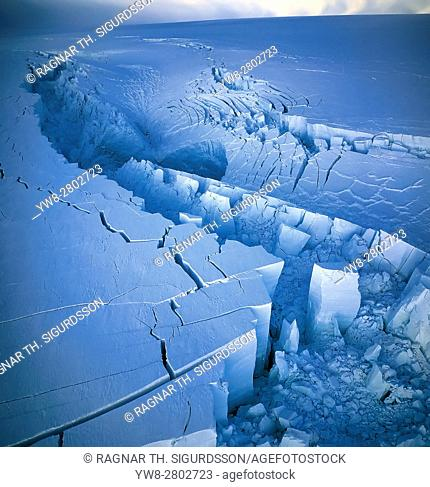 The Gjalp Eruption in Vatnajokull Ice Cap, Icelandâ. ¨