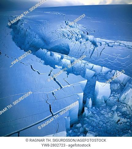 The Gjalp Eruption in Vatnajokull Ice Cap, Icelandâ. ¨
