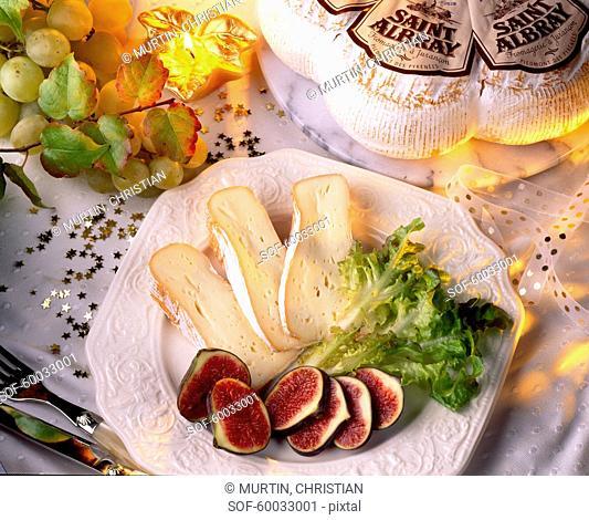 Saint-Albray with fresh figs