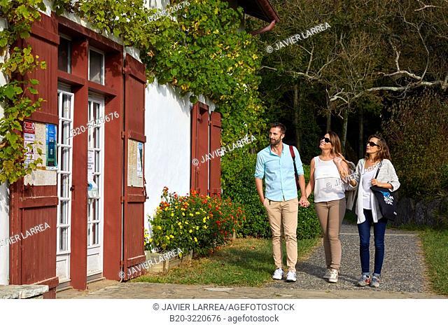Guide with tourists, Larretxea farm, Domaine D'Abbadia, Hendaye, Aquitaine, Pyrenees Atlantiques, France, Europe