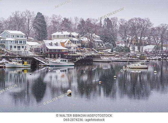USA, Massachusetts, Cape Ann, Gloucester, Annisquam, Lobster Cove, early winter
