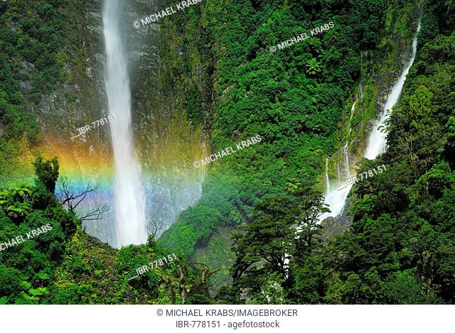 Rainbow over the Humboldt Falls, Hollyford Valley, Fiordland National Park, UNESCO World Heritage Site, West Coast, South West New Zealand, South Island