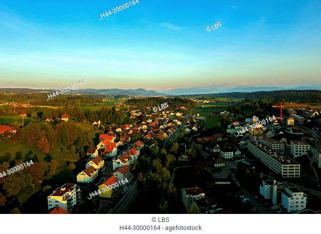 Luftaufnahme der Gemeinde Illnau-Effretikon