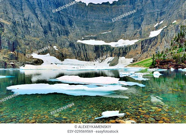 Iceberg lake trail Stock Photos and Images | age fotostock