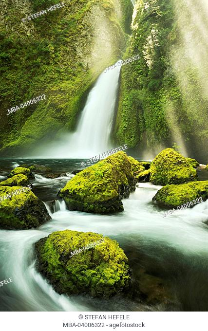 The USA, America, Columbia River Gorge, waterfall, Wahclella Fall, rays of light, moss, water, colours, scenery