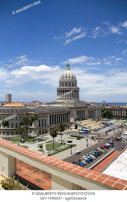 The Capitol is a neoclassical building with a columnar facade and dome of 91.73 meters high. Is a landmark, as the km 0 of Cuban roads using a 25-carat...
