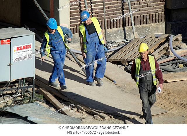 Construction workers at the new European Central Bank