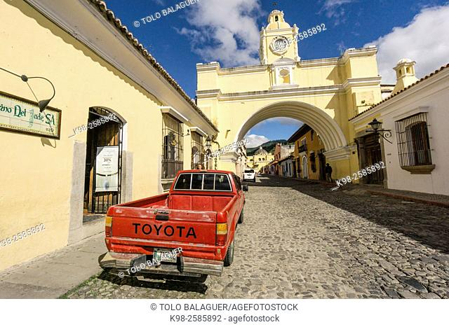 Guatemala, Sacatepequez, Antigua Guatemala, Santa Catalina arch