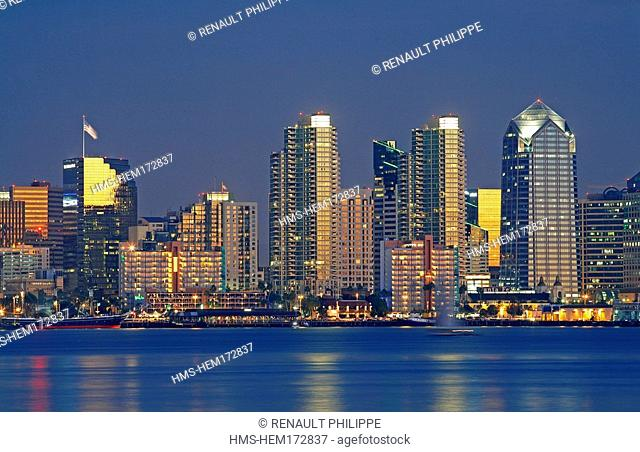 United States, California, San Diego, downtown by night seen from the bay