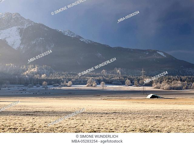 Cold, hoarfrost, landscape in Carinthia