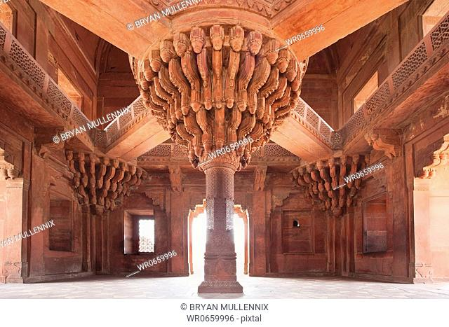 Diwan-i-Khas, or Hall of Private Audience in the 16th century Moghul palace complex in Fatehpur Sikri, a UNESCO World Heritage Site, and international landmark
