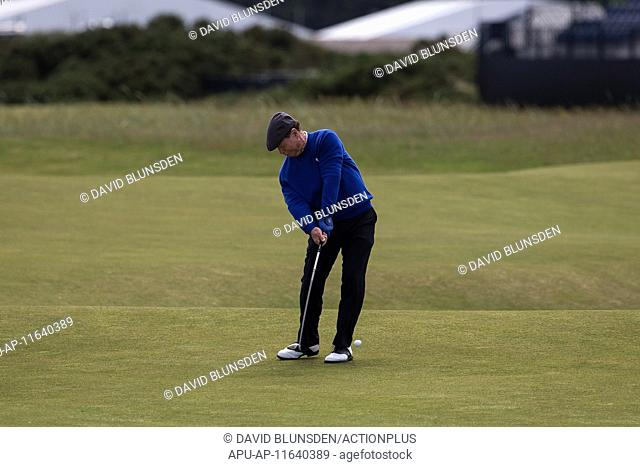 2015 The 144th Open Championship Golf Practise Round Jul 12th. 12.07.2015 The Old Course, St Andrews, Fife, Scotland Five time Open Champion Tom Watson on the...