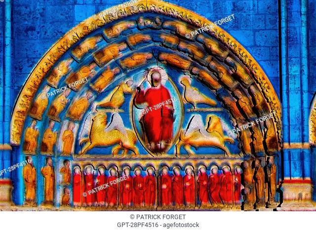 NEW SCENoGRAPHY ON THE ROYAL DOOR OF THE CATHEDRAL STAGED BY 'SPECTACULAIRES, ALLUMEURS D'IMAGES', CHARTRES IN LIGHTS, EURE-ET-LOIR 28, FRANCE