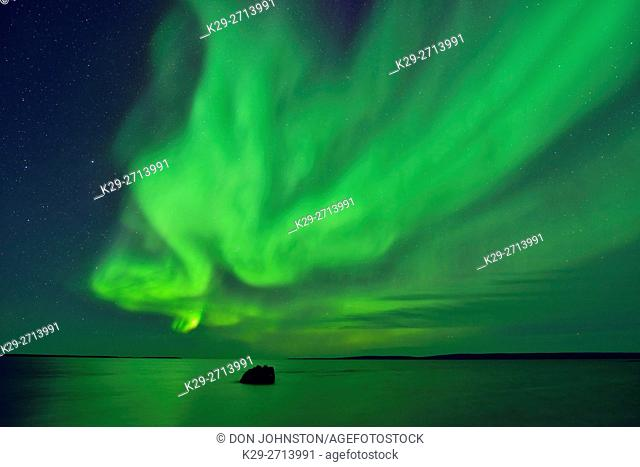 Aurora borealis (Northern lights) over Ennadai Lake, Arctic Haven Lodge, Ennadai Lake, Nunavut, Canada