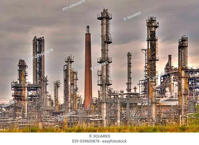oil refinery near heide / germany
