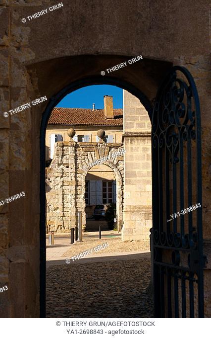 France, Gers (32), town of Lectoure on the way of Saint Jacques de Compostelle, hotel des 3 boules