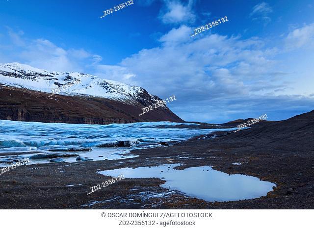 View of Svinafellsjokull glacier at sunset. Vatnajokull National Park. Iceland