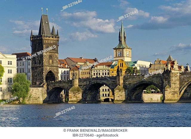 Karluv most, Charles Bridge, across the Vltava river, Prague, Czech Republic, Europe