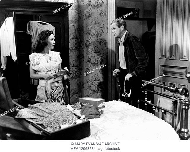 Mary Anderson & Dan Duryea Characters: Mary Cannon, William R. Cannon Film: Chicago Calling (1951) Director: John Reinhardt 26 June 1951