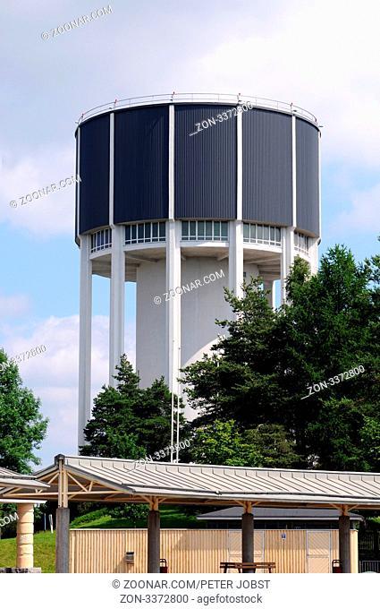 Der Wasserturm von Lappeenranta ist ein imposantes Gebäude / The water tower of Lappeenranta in Finland