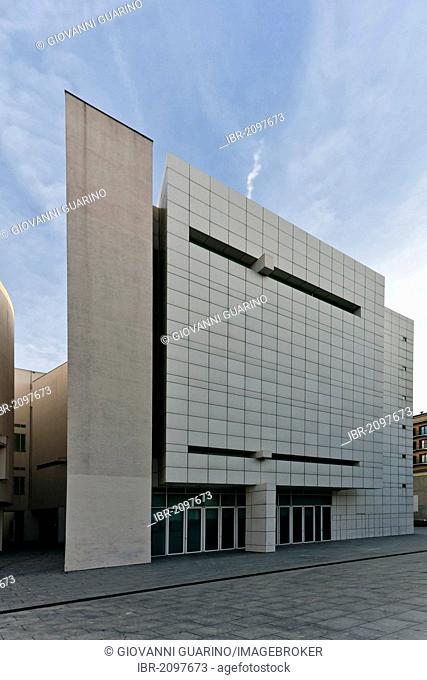 Museu d'Art Contemporani de Barcelona, MACBA, Barcelona Museum of Contemporary Art, architect Richard Meier, 1995, Barcelona, Spain, Europe